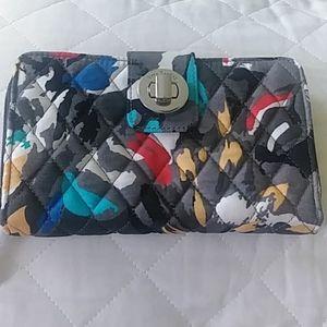 Vera Bradley Turnlock Wallet. Splash Floral